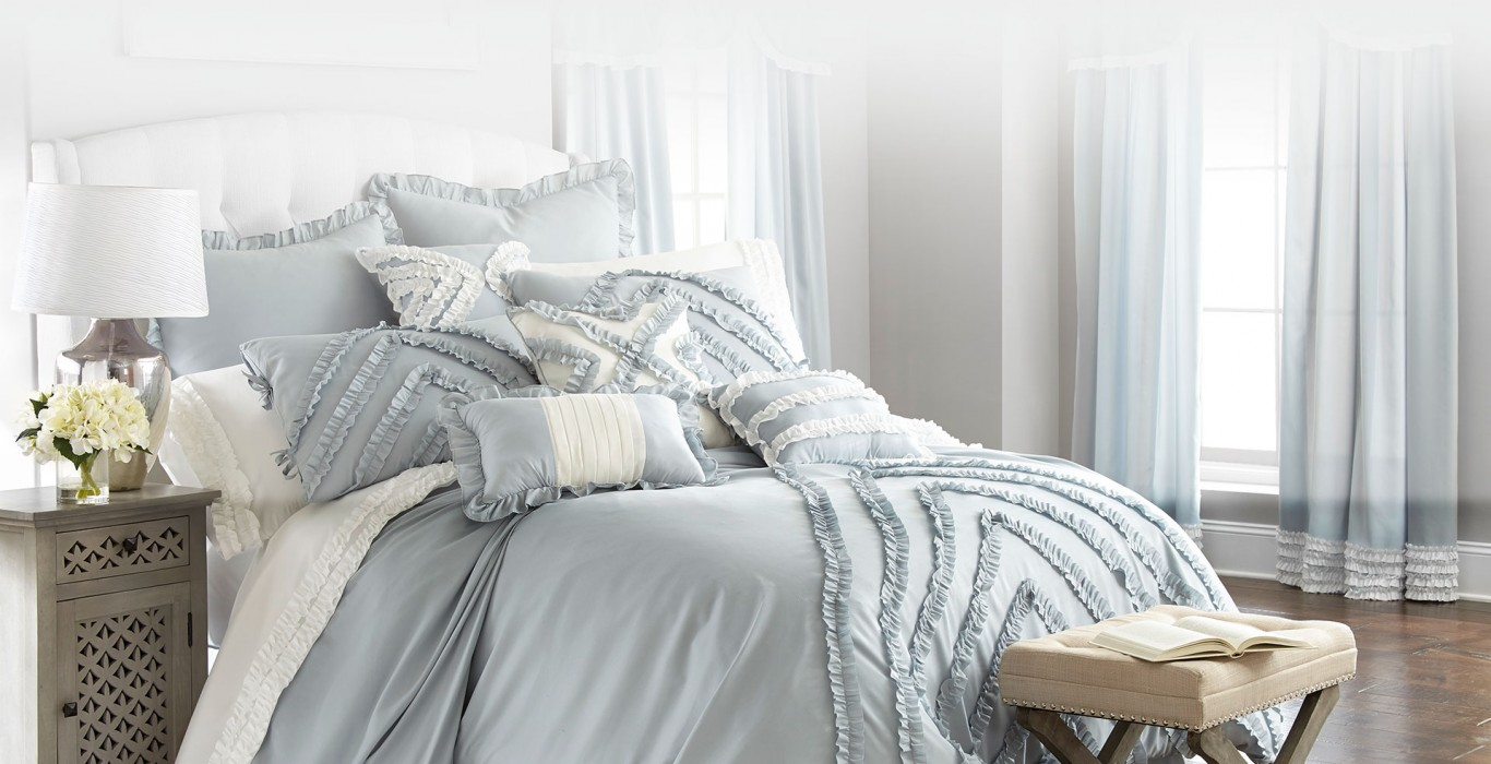 Comforter Set in Grey and Cream